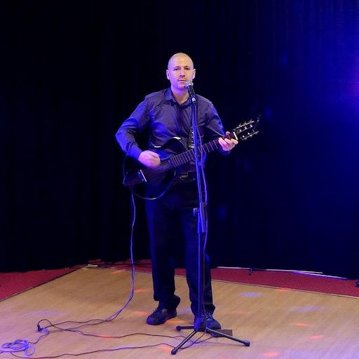 Singer and guitarish, wedding singer, live music